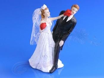 Svatební figurky boxující nevěsta