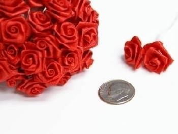 Kytička z mašliček červená