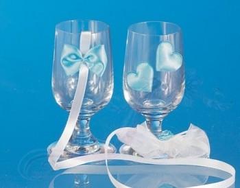 skleničky na vodku s bílo-modrou aplikací