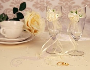 skleničky na šampaňské krémová