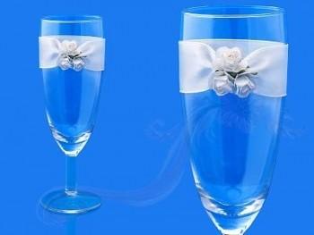 Skleničky na šampus s bílými růžemi