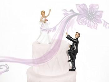 Figurka novomanželé stoupající
