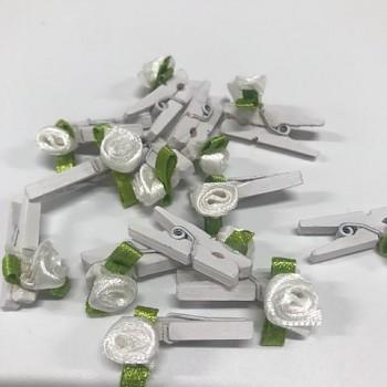 Svatební kolíček bílý s růžičkou 731200078